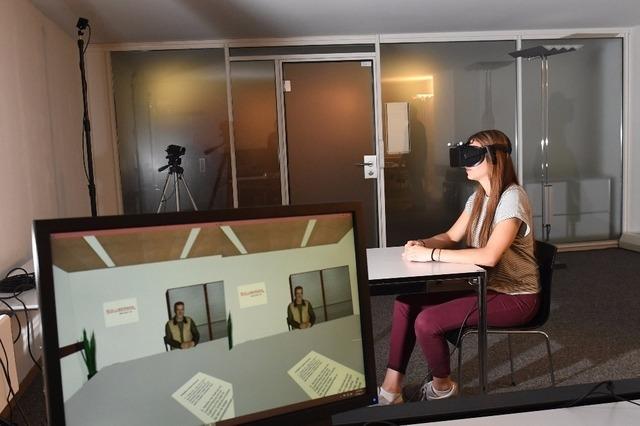 Autrefois, il fallait voyager ou être physiquement présent pour découvrir de nouveaux endroits ou vivre des expériences. Aujourd'hui, grâce à la réalité virtuelle, vous pouvez explorer des endroits que vous n'auriez jamais cru possibles. Dans ce guide, nous examinerons de plus près les avantages de la réalité virtuelle et les opportunités qu'elle offre.